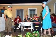 Familienkrach im Doppelhaus_459